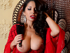 Spanish senorita Susana Alcala charms with her big breasts