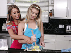 Arya Faye and Jill Cassidy wanted to cook smth, but ended up with lesbian sex