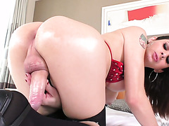 Sizzling hot shemale Danny Bendochy strokes her huge cock