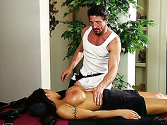 Latina with killer boobs Nadia Villanova gets smashed by a masseur