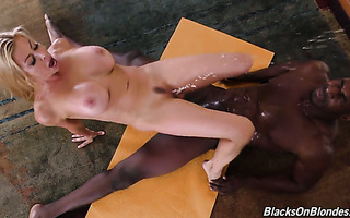 Alexis Fawx rides a mandingo and squirts right in his smiling face