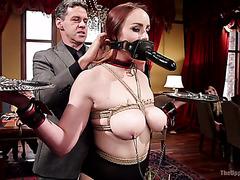 Белла Росси и Холли Хендрикс делают неистовое БДСМ шоу на приватной вечеринке