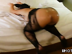 Big Portuguese booty of Diana Melancia gets oiled and roughed