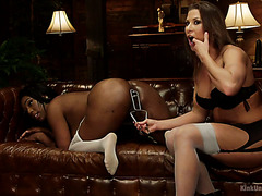 Big black booty of chunky ebony Lisa Tiffian is stretched out by Ariel X