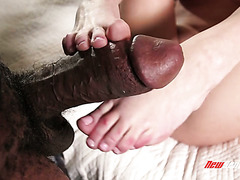 Black monster cock makes Kate England shiver in orgasms