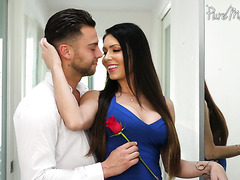 Well preserved MILF Jessica Jaymes receives rose and cock