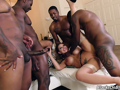 Voluptuous white MILF Brooklyn Chase VS five big black cocks