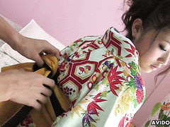 Geisha Iori Mizuki services him with her petite hairy pussy