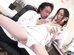 Застенчивая медсестра Мика Коджима оприходована доктором