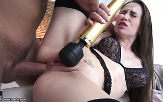 Russian hottie Angel Rush enjoys strong anal orgasms