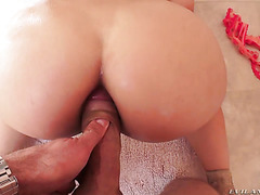Round butt of Gina Valentina gets fucked painfully