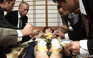 Asuka Ayanami turns her curvy Japanese body into food plate
