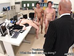 Длинноногая японка Рюй стала офисной шлюхой для двух коллег