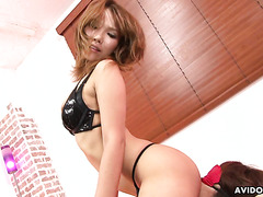 Jav mistress Akiho Nishimura is facesitting blindfolded slave