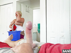 Толстушка Эшли Барби хорошая домработница и блядь - ПОВ