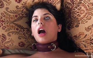 Gina Valentina wird bei fiesem Anal-Mauling fast ohnmächtig