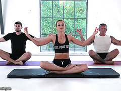 Yoga DP for sporty MILF Tina Kay