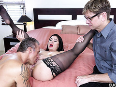 Curvy wife Lea Lexis is satisfied by other man in front of limp dick cuck