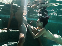 Vixen Aidra Fox sucks BBC underwater and gets blacked by the pool