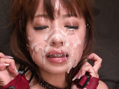 Messy facial bukkake