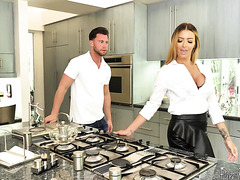 Busty estate agent MILF Linzee Ryder fucks young client to seal the deal