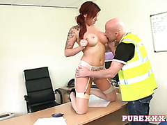 Horny Yuffie Yulan fucks a delivery guy in her office