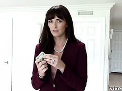 Bianca Breeze sells the house and fucks a guy for seal the deal