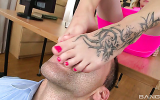 Bella Anne totally fulfills his foot fetish while fucking in office