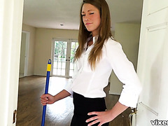 Real estate agent Kirsten Lee fucks a big cocked plumber